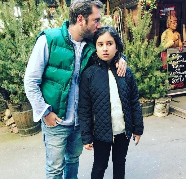 Дочка Резо Гигинеишвили удивляет невероятной схожестью со своим отцом