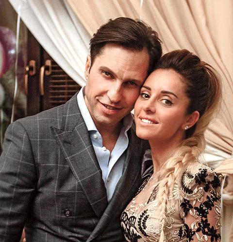 Был бы милый рядом: что Ревва и Костюшкин подарят женам в День святого Валентина