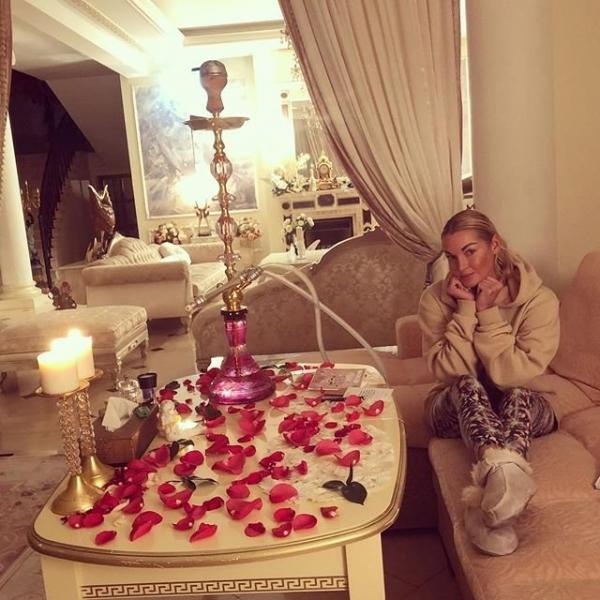 Анастасия Волочкова оскорбила своих подписчиков