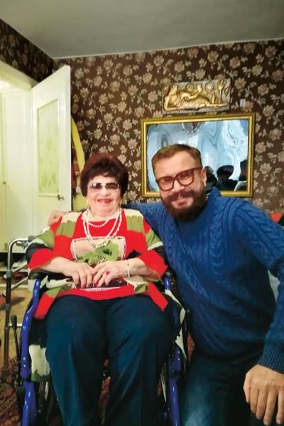 Мама Александра Барыкина просит друзей сына о помощи