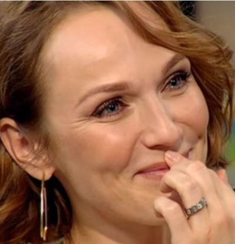 Супруга Валерия Меладзе разрыдалась, рассказывая о детстве