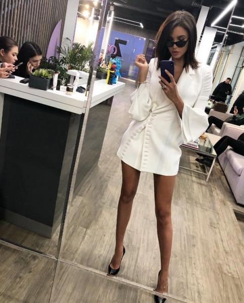 Анастасия Решетова забыла надеть юбку, что возмутило ее фанатов