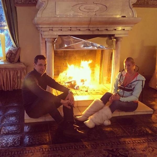 Анастасия Волочкова показала снимок спальни, на котором заметили странную деталь