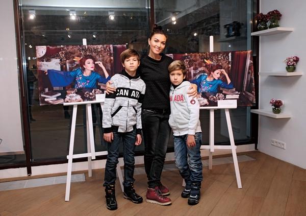 Сын Юлии Такшиной: «О бабушке с дедушкой мы заботимся»