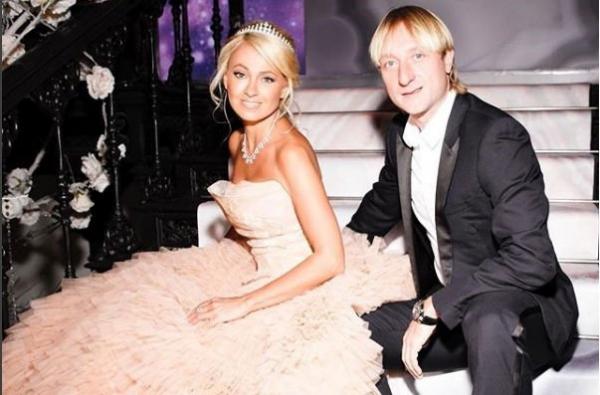 Евгений Плющенко и Яна Рудковская снялись в романтической фотосессии в спортивных образах