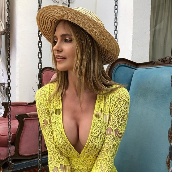 Наташа Ионова выложила в сеть пляжное фото в монокини