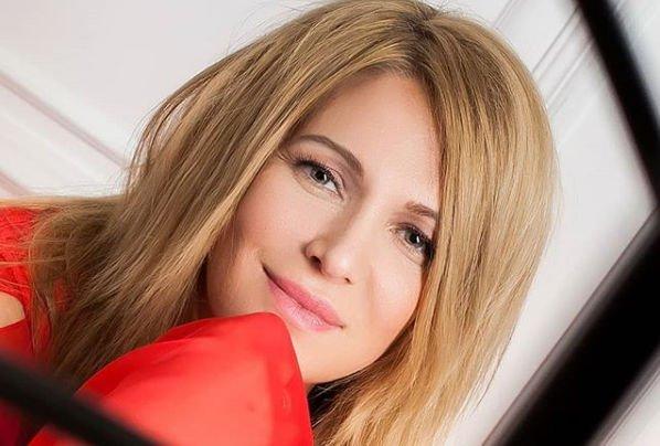 Виктория Макарская сообщила о том, что рисковала жизнью, чтобы стать матерью