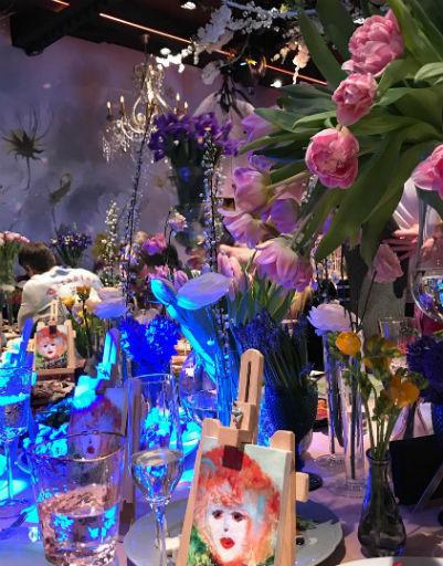 Пугачева назвала Собчак «девушкой-весной» во время ежегодного праздника