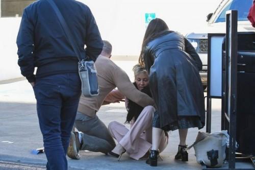 Как Шерон Стоун эффектно упала в Беверли-Хиллз