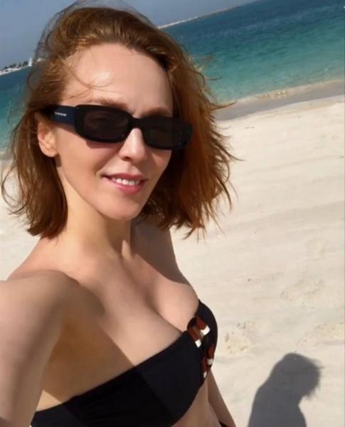 Альбина Джанабаева восхитила поклонников фигурой в купальнике