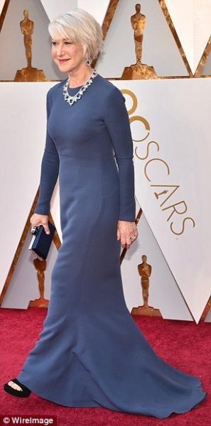 Хелен Миррен выпила текилы прямо на красной дорожке «Оскар-2018»