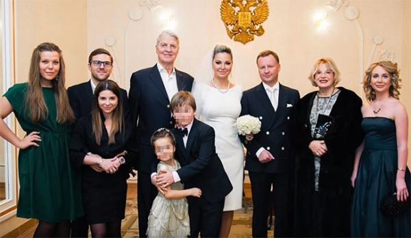 Мария Максакова доказала верность Денису Вороненкову