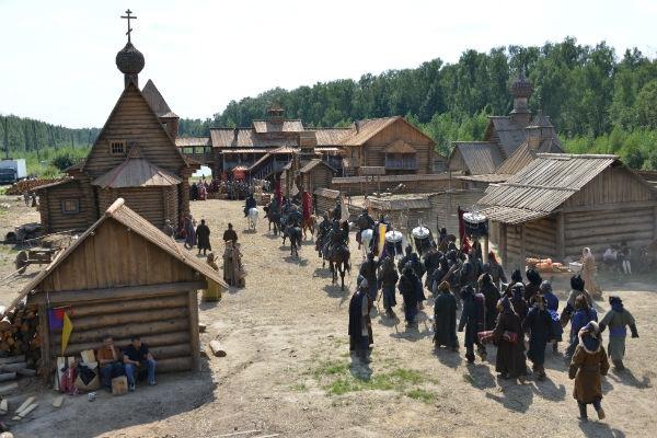 Сериал «Золотая Орда»: чем рисковали Устюгов и Пересильд на съемках