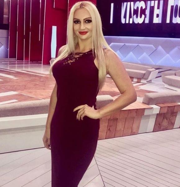Дмитрий Шепелев появился в компании очаровательной блондинки