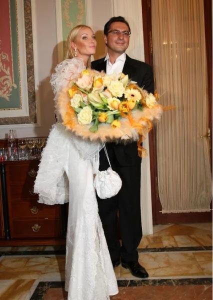 Анастасия Волочкова с ностальгией вспоминает свою свадьбу