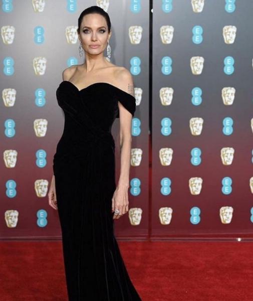 Анджелина Джоли не собирается замуж, но ходит на свидания