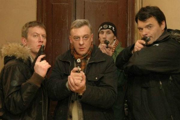 Пугачева отказалась петь свою песню из-за сериала «Улицы разбитых фонарей»
