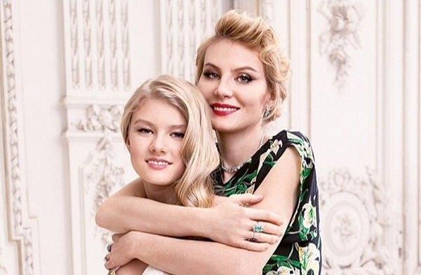 Рената Литвинова рассказала о теплых отношениях с дочкой