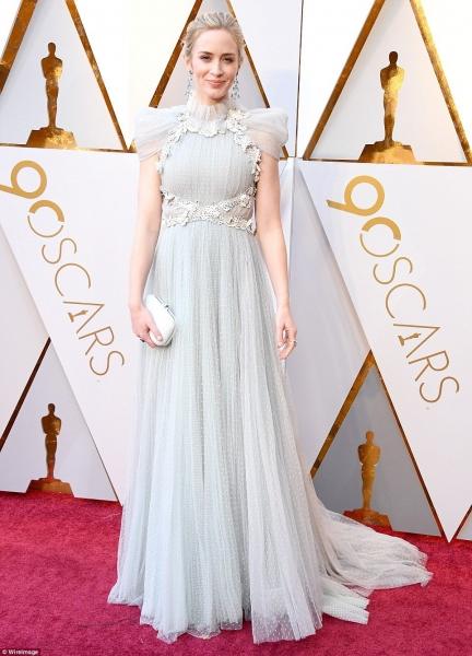 Эмили Блант в самом нежном наряде на «Оскаре-2018»