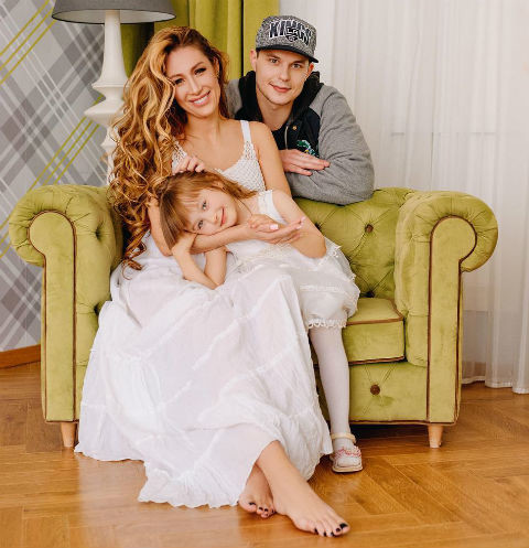 Илья Григоренко навестил в больнице беременную звезду «Дома-2» Алену Ашмарину