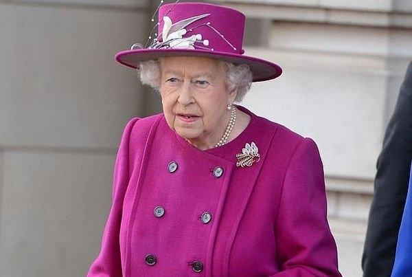 Елизавета II наконец-то дала свое согласие на бракосочетание принца Гарри