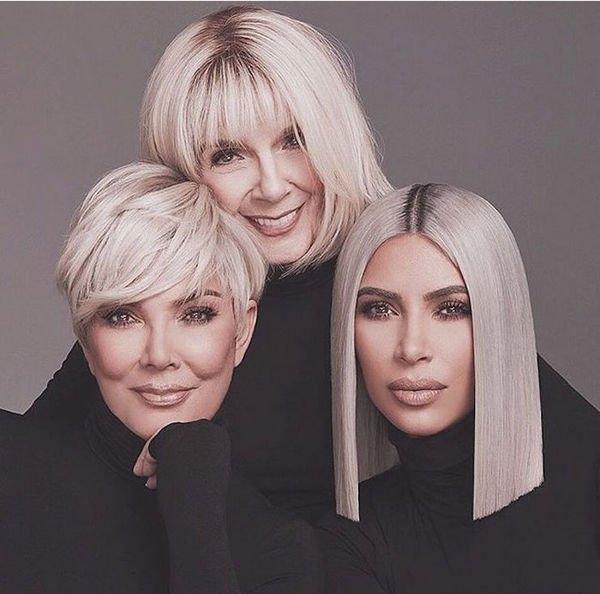 Ким Кардашьян разместила совместный снимок с мамой и бабушкой