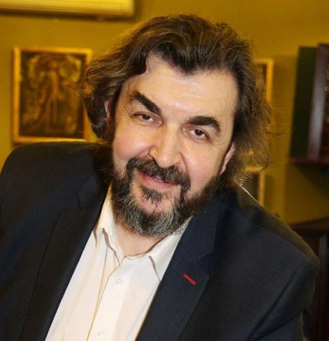 Игорь Золотовицкий поднял руку на сына