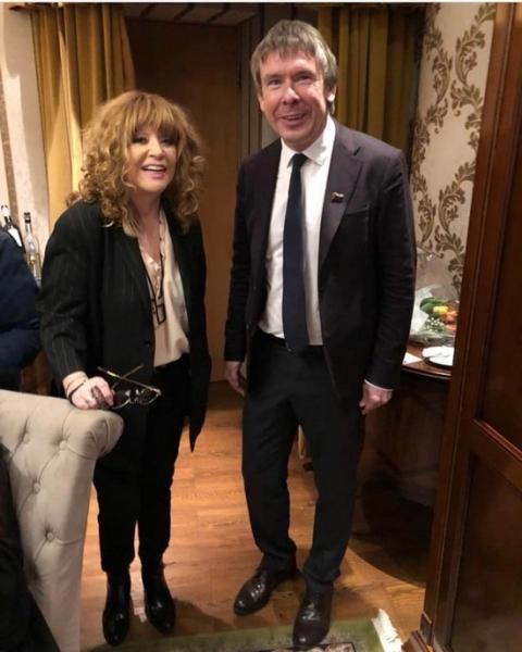 Алла Пугачева блеснула стройными ногами на юбилее Вячеслава Зайцева
