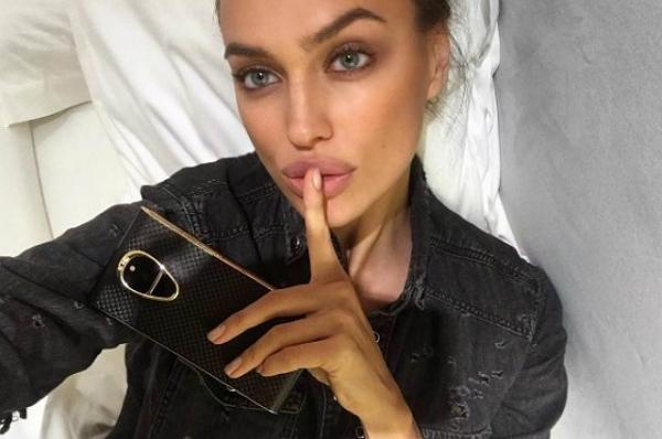 Ирина Шейк опубликовала снимки в нижнем белье