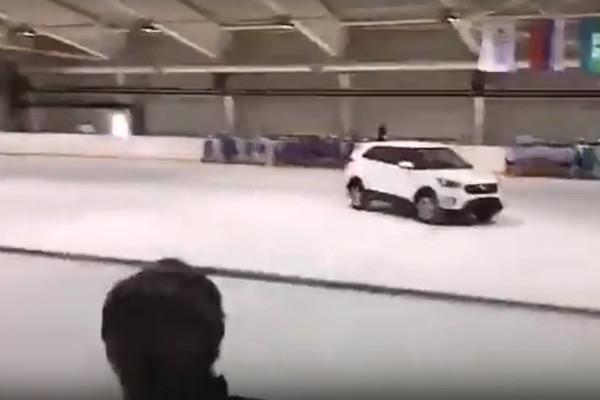 Автор решающей шайбы на Олимпиаде подарил своему тренеру машину