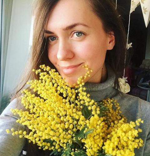 Беременная Мария Адоевцева делает ремонт в новой квартире