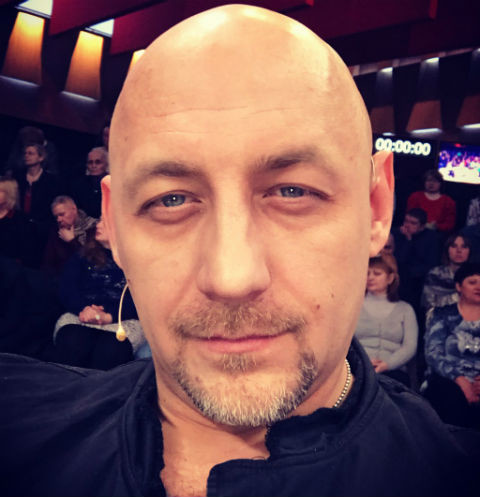 Брошенный отец Алексея Куличкова требует у сына купить ему жилье