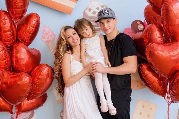 Беременная Алена Ашмарина и Илья Григоренко смогли уладить возникшие проблемы