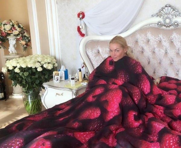 Анастасия Волочкова подверглась жесткой критике за детали своей интимной жизни