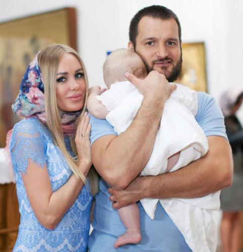 Алексея Самсонова уличили в многочисленных изменах