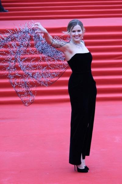 Мария Кожевникова на церемонии закрытия ММКФ-2018