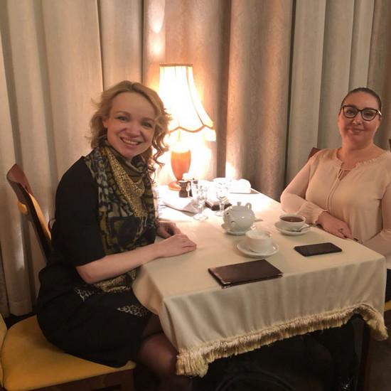 Элину Мазур втянули в дело об афере с недвижимостью Армена Джигарханяна
