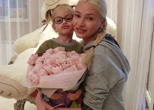 Внешний вид Алены Шишковой без макияжа вызвал недоумение ее поклонников
