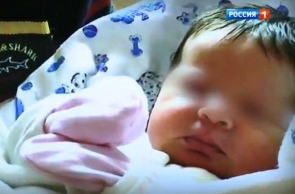 Эммануил Виторган перестал скрывать новорожденную дочку