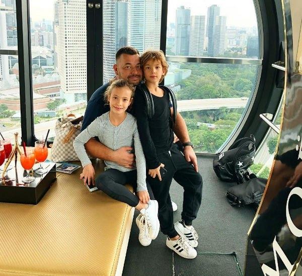 Дети Сергея Жукова с малых лет зарабатывают деньги