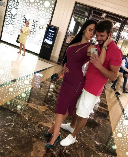 Антон Гусев и Виктория Романец наслаждаются компанией друг друга на романтическом отдыхе