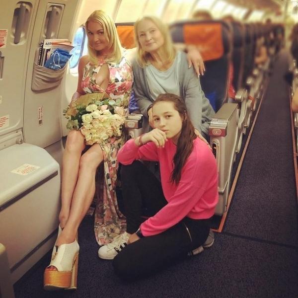 Анастасия Волочкова нашла себе нового ухажера