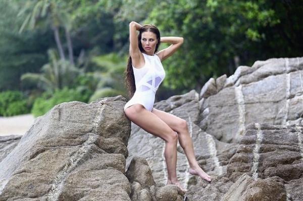 Елена Галицына чуть не лишилась ноги во время фотосессии в Таиланде