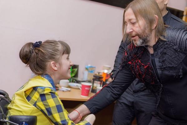 Шура и Лева Би-2 исполнили мечту больной девочки