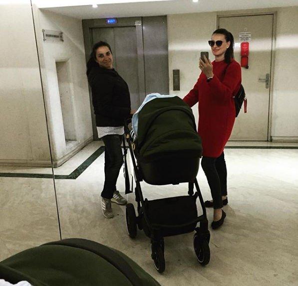 Елена Исинбаева заявила, что не может уследить за двумя детьми