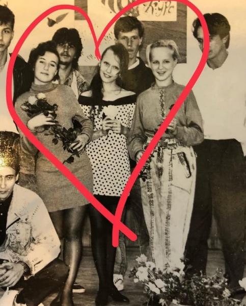 Подростковые фото Альбины Джанабаевой были высмеяны ее поклонниками