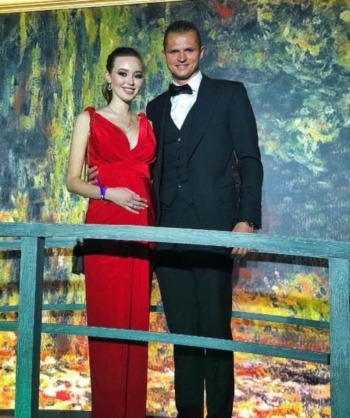 Беременная Анастасия Костенко отреагировала на слухи о своей госпитализации