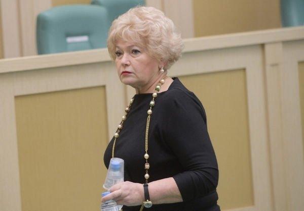 Мама Ксении Собчак рассказала, почему дочь ушла в шоу-бизнес