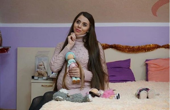 Ольга Рапунцель принимает поздравления с рождением дочки
