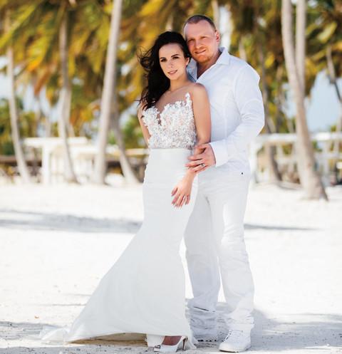 Без фокусов: Сергей Сафронов тайно женился на беременной подруге